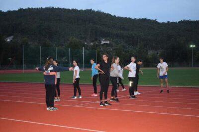 Atletas da academia e formação regressam aos treinos